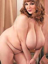 Micky Bells - Soft Curves For Hard...