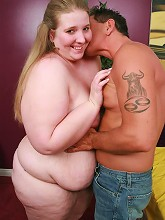 Sexy young bbw Jessie showing off...