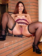 Lating Looking Chubby Girl in...