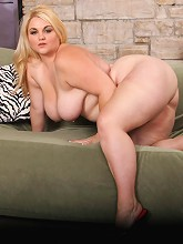 Chubby tart plows herself with a...