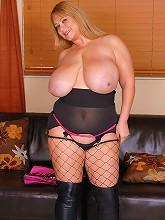 Watch the sexy BBW Samantha38g...