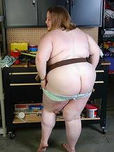 chubby slut in tool belt